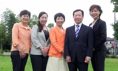 (左から)平田みち子、かすや珠紀、新藤たか子、池田たつお、秋山もえの5候補