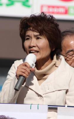 おくだ智子候補=2016年1月1日、さいたま市