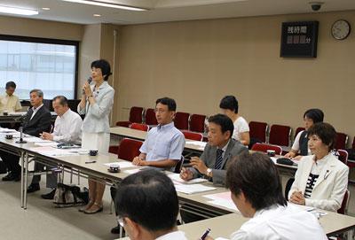 国、県への2011年予算要望へ向けて、県内25団体と懇談
